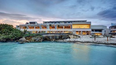 Jamaica: Luxe, All-Inclusive Royalton Negril Resort