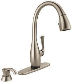 Delta Dominic Single-Handle Pull-Down Sprayer Kitchen Faucet