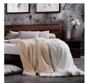 Bedsure Faux Fur Reversible Throw