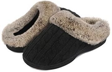 Soft Cable Knit Slippers (Various Colors)