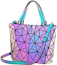 Geometric Holographic Handbag