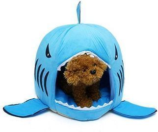 Tordes Covered Shark Pet Bed