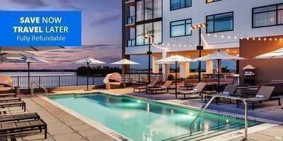 New 4-Star Downtown Fort Myers Stay w/Parking