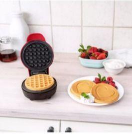 Bella Mini Waffle Maker