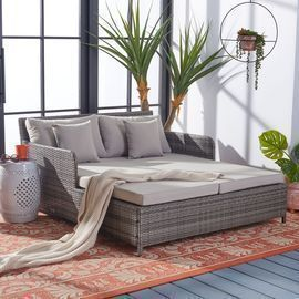Outdoor Cadeo Daybed with Pillows and Cushions