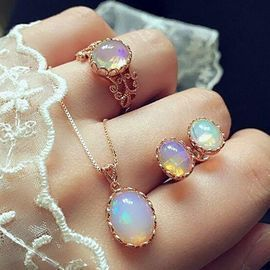 3pcs Elegant Transparent Gemstone Pendant Set